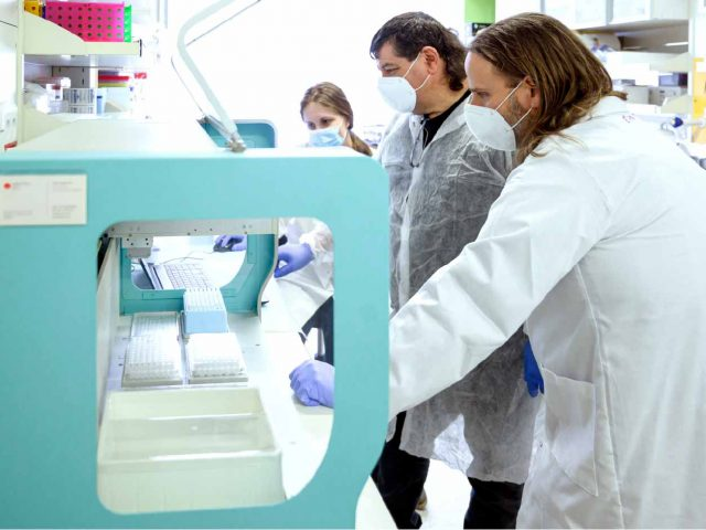 Coronavirus: Israeli researchers develop eight-times faster group-testing